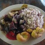Jerk Pork mit Reis und zwei Festivals.