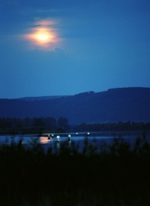 Die Nacht, der Mond und der See