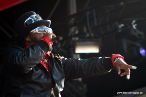 skindred-2-highfield-2011