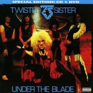 Twisted-Sister-under-the-blade-2011