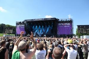 RIP-Freitag-Crowd-100