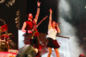 Tour 2015+ Festival Rock-im-Revier-c-Carsten-Rusch_3185-2-within-temptation-300x200