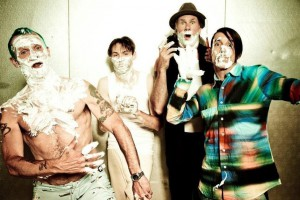 Red-Hot-Chili-Peppers-Press-Photo by Ellen von Unwerth